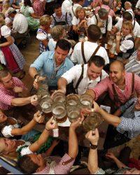 Münih Starkbierzeit Bira Festivali
